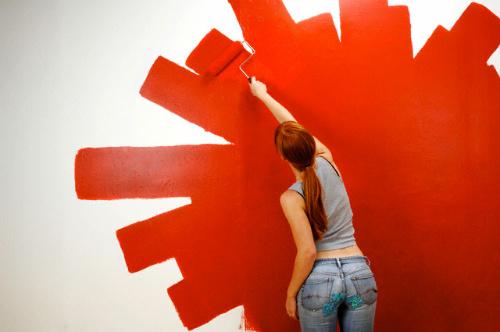 Tự sơn tường tại nhà sẽ tiết kiệm chi phí cho bạn