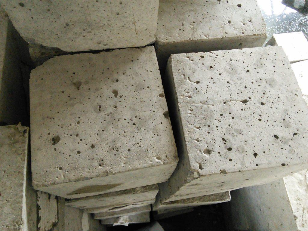 Bị rỗ trên bề mặt bê tông